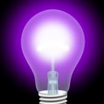 Фиолетовый свет.